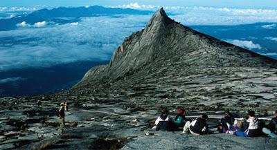 Melihat Gunung Tertinggi Di Malaysia Geografikami